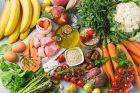 Středomořská strava, jídelníček, dieta, zdravé jídlo, hubnutí, ovoce a zelenina. Ilustrační foto