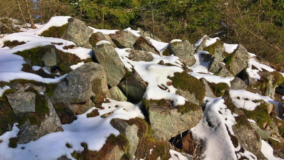 Bílá skála v přírodním parku Trhoň
