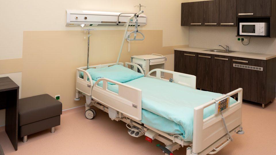 Chirurgické oddělení plzeňské fakultní nemocnice na Borech nabízí pacientům nadstandardní pokoje