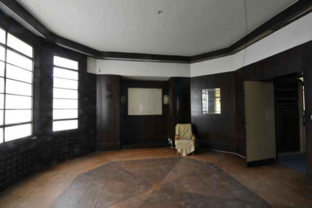 Interiér bytu v Plzni podle koncepce architekta Loose